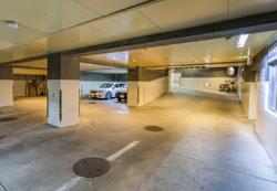 地下駐車場 完備